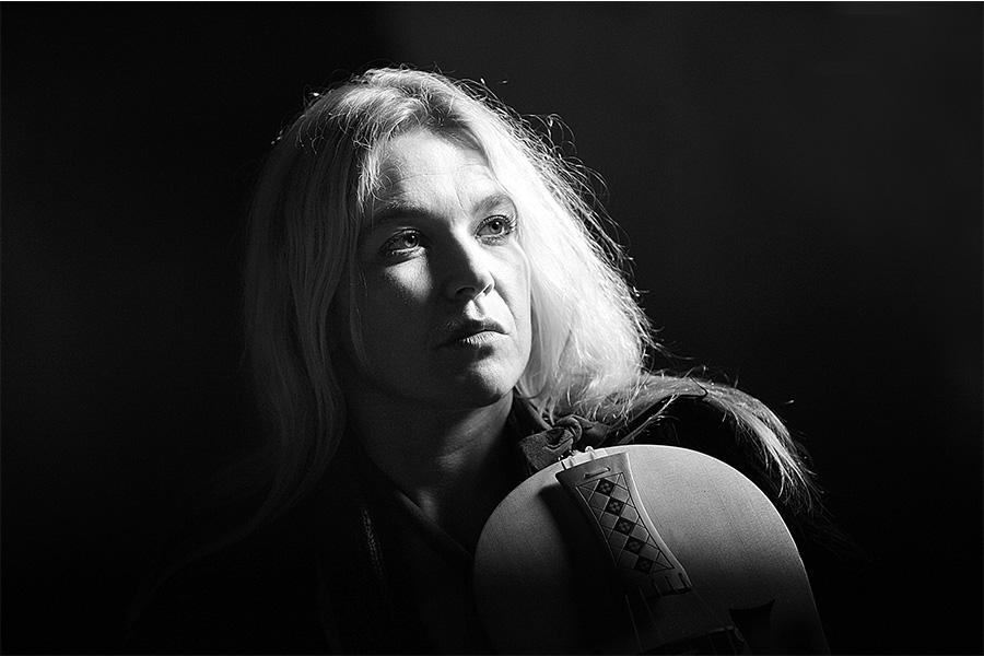 Susanne Ansorg Spezialisiert auf historische Streichinstrumente. Lebt in Dresden